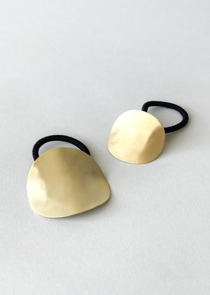 Sculpted Oval Brass Ponytail Holder
