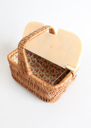 Vintage 1940s wicker basket purse