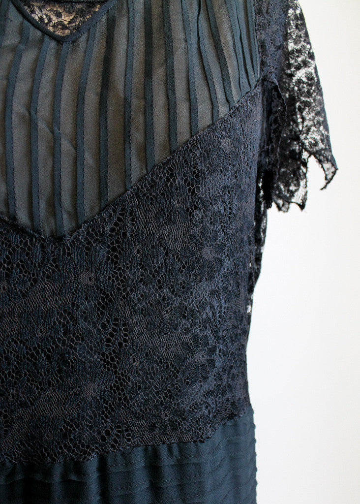 Vintage Late 1920s Black Lace and Chiffon Flapper Dress