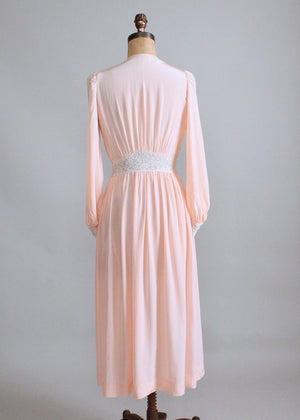 Vintage 1940s Peach Rayon and Lace Lounging Robe