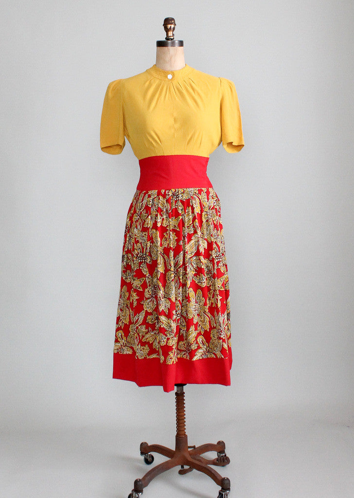 Vintage Late 1930s Carlye Rayon Dress