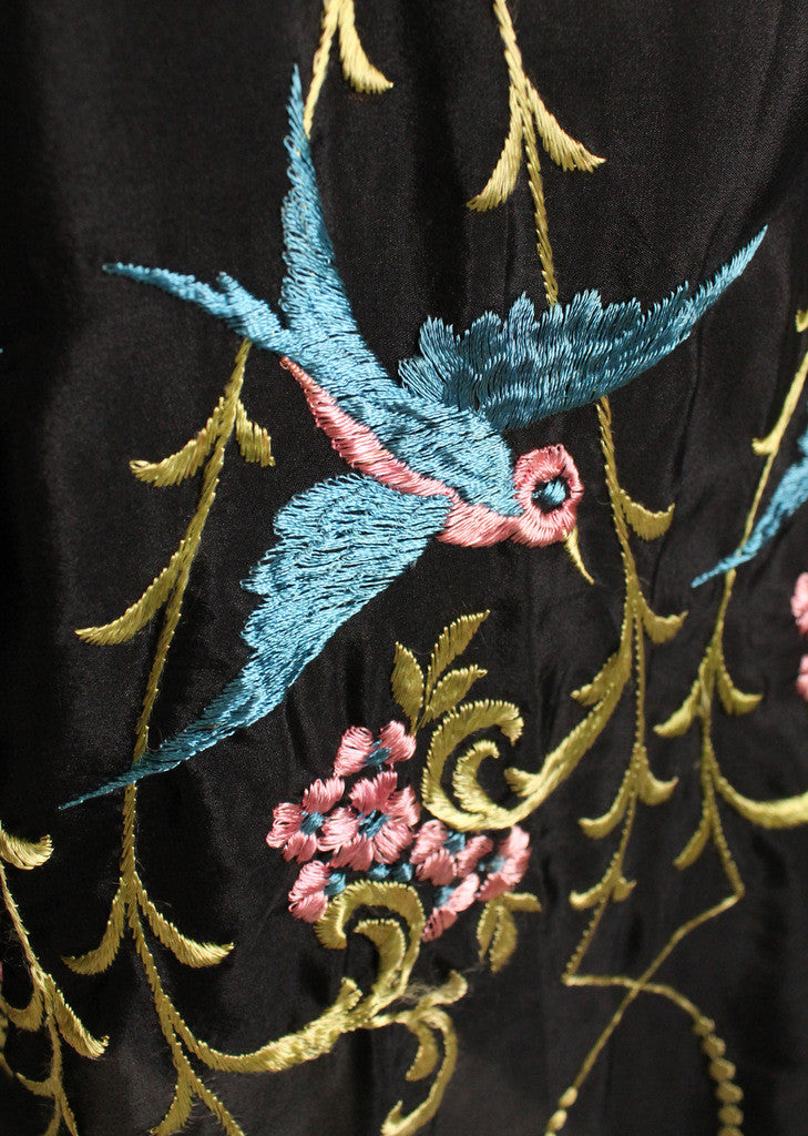 Vintage 1920s Silk Embroidered Robe