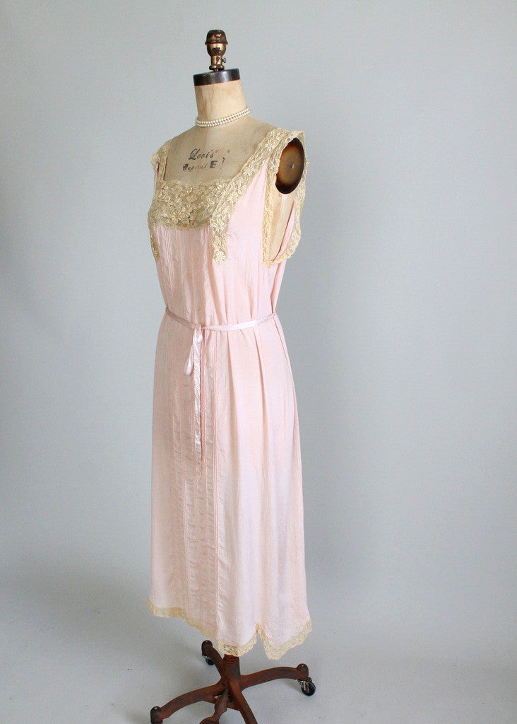 Vintage 1920s Silk and Lace Gown