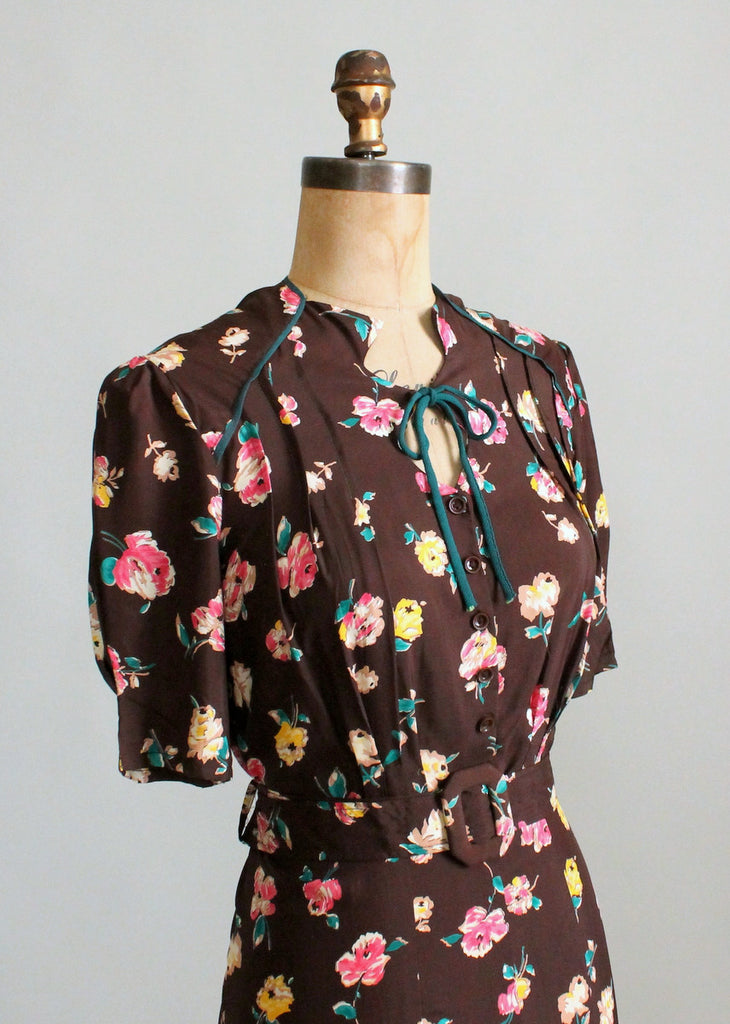 Vintage 1940s Deadstock Floral Rayon Day Dress