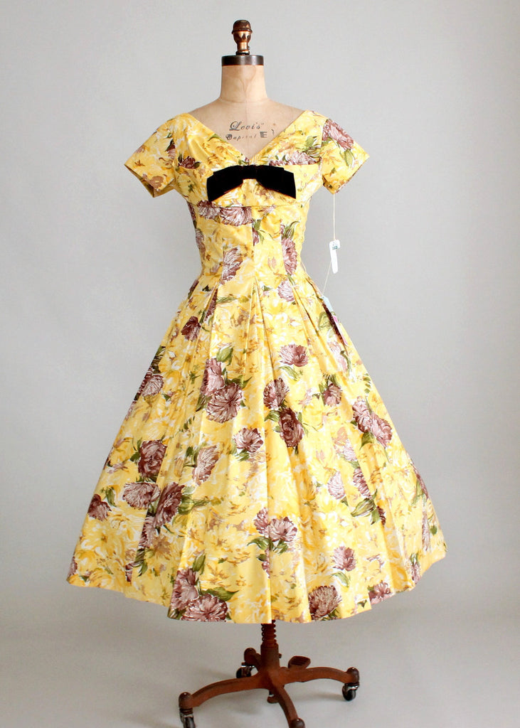 Vintage 1950s Sunshine Garden Floral Dress NOS