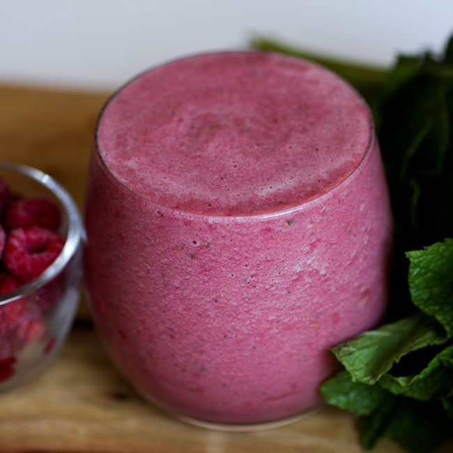 Raspberry Pineapple Mint Smoothie