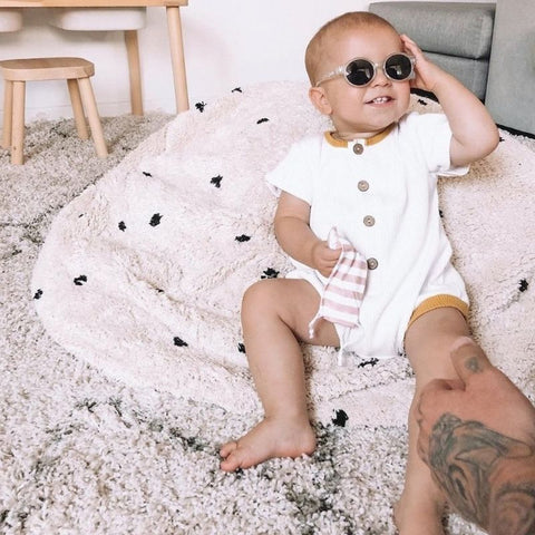 get baby to wear sunglasses
