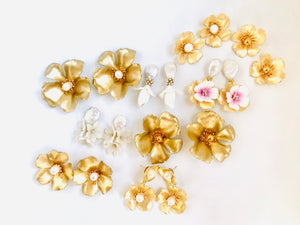 The Pink Reef small double golden flower with pearl