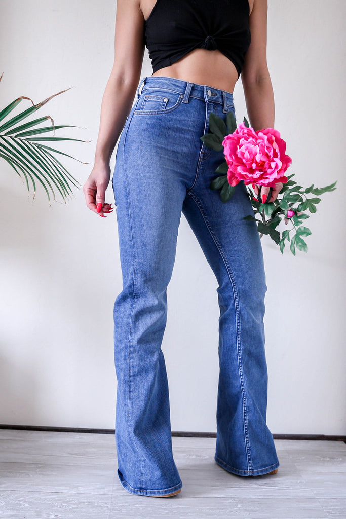 H&M High Waisted Flared Jeans