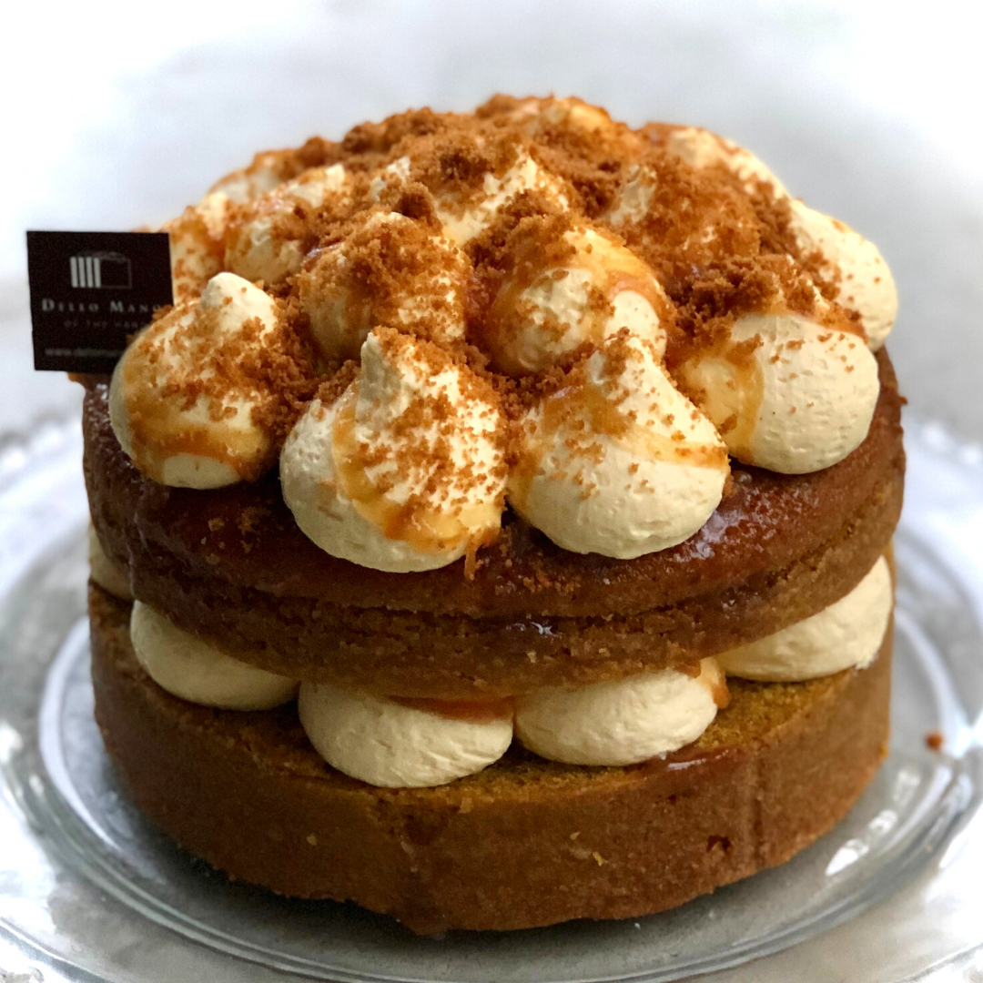 The Ode to Golden Gaytime Cake is a tantalising combination of caramel , cream and cookie crumb. A rich moist caramel mud cake filled with Vanilla custard butter cream. Available for Cake Delivery Brisbane. Perfect birthday cake for the caramel lover.