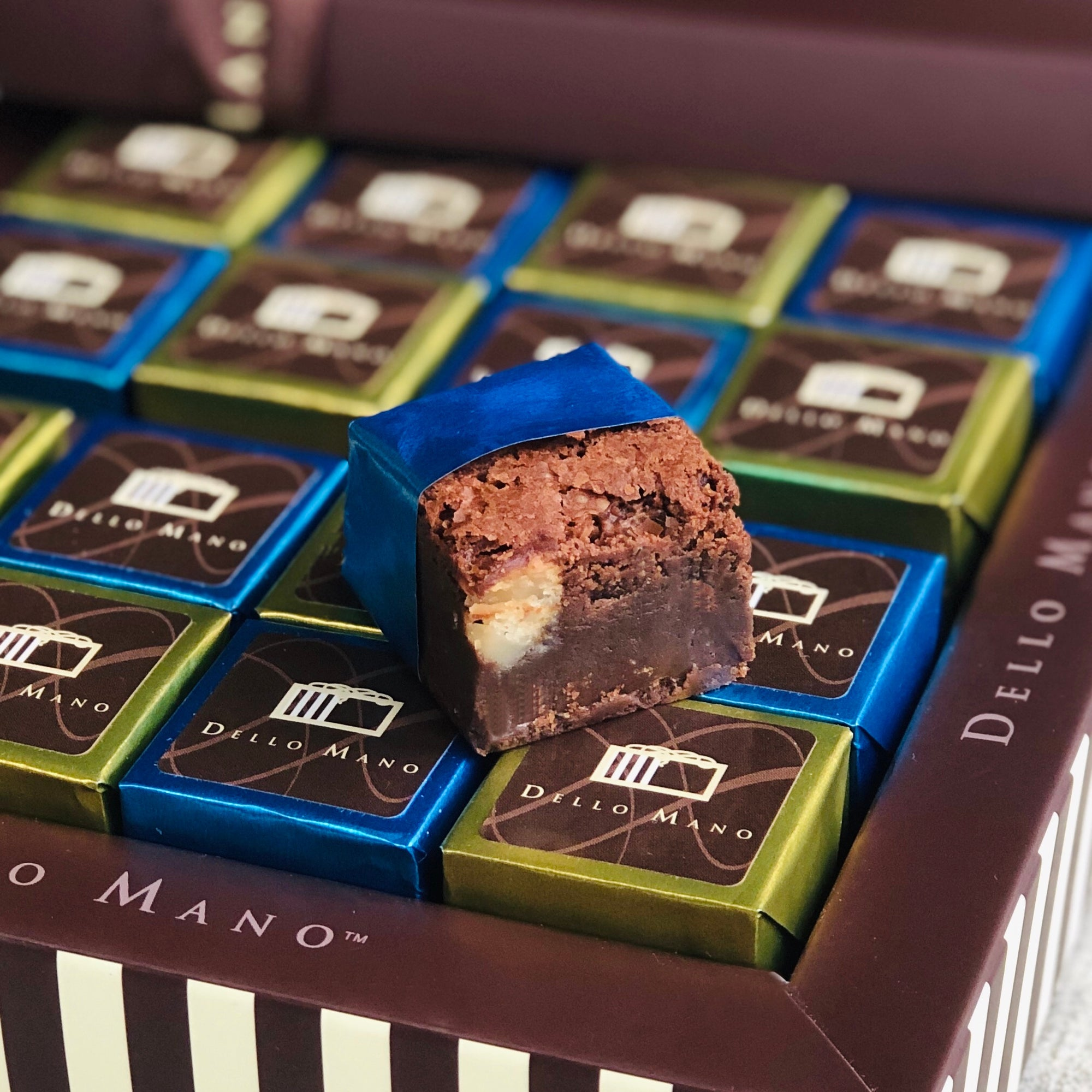 Chocolate Gift Box Luxury Brownie -Classic Macadamia