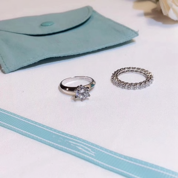 T&Co Engagement Ring and Wedding Band Set