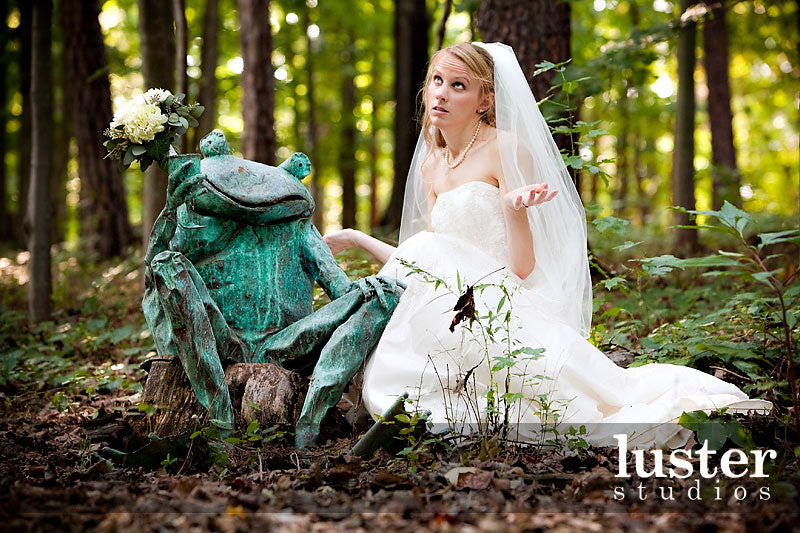 3 Easy Ways to Create a Frog Prince Wedding