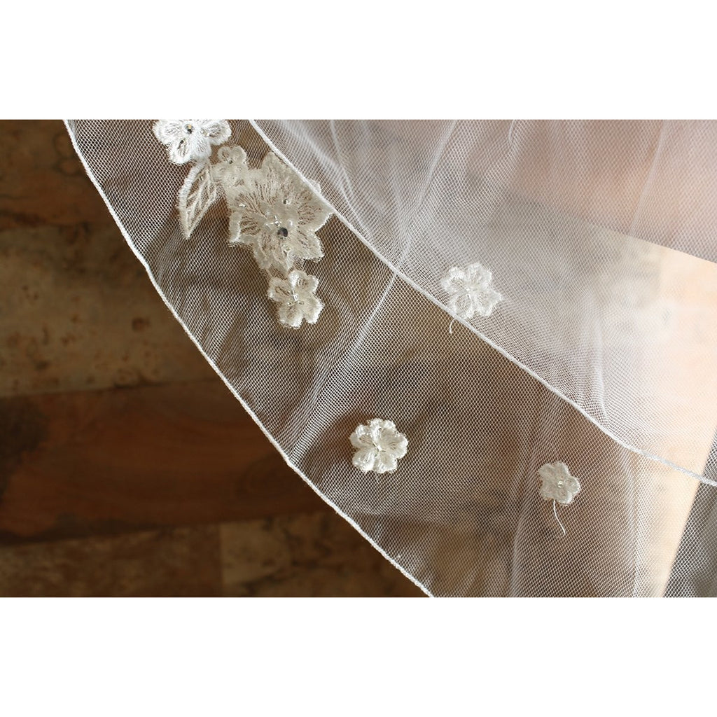 Scattered Flower Veil