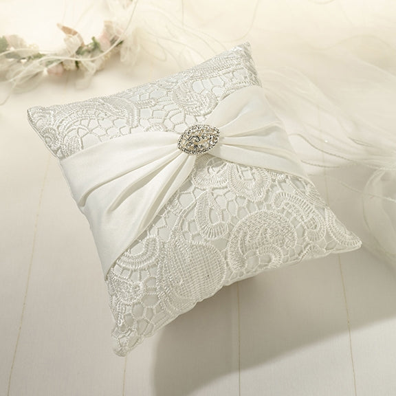 Vintage Lace Ring Pillow-Cream