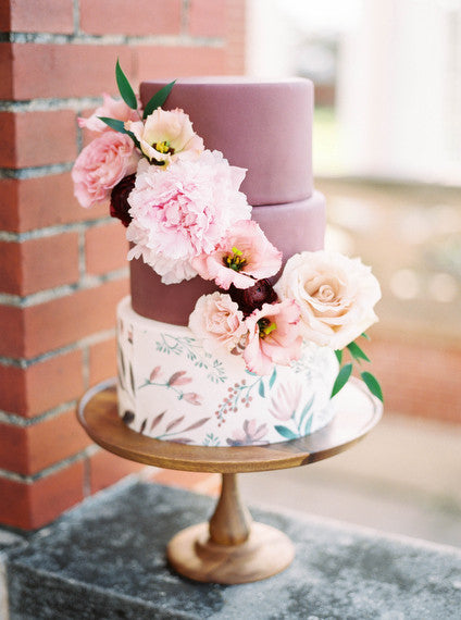 Photography: Nicole Berret Photography  http://www.100layercake.com/wedding-ideas/marsala/131402/marsala-and-floral-wedding-cake