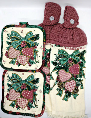 Festive Christmas Hearts Bouquet Deluxe Hanging Kitchen Towel Set & Potholders