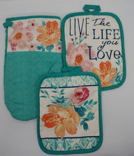Load image into Gallery viewer, Floral Believe In Yourself Deluxe Hanging Kitchen Towel Set & Potholders