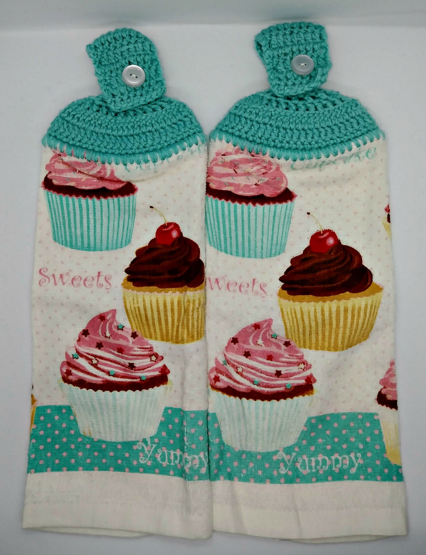Yummy Cupcakes Hanging Kitchen Towel Set