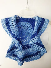 Load image into Gallery viewer, Girls Ring Around The Rosie Vest Size 5T Blue Variegated Circle Vest
