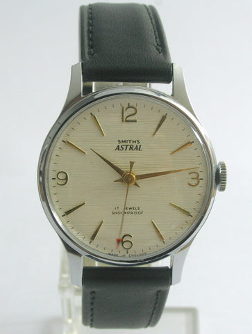 ASTRAL SMITHS NEAR MINT CHROME AND STEEL VINTAGE GENTS 1960'S SMITHS WRISTWATCH MADE IN ENGLAND