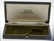 ASTRAL SMITHS 9CT GOLD SCREW BACK CASE SUPERB CONDITION BOXED CERTIFICATE CAL 60466E HACKING MADE IN ENGLAND C 1970