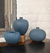 Load image into Gallery viewer, Williamsburg Blue Vases