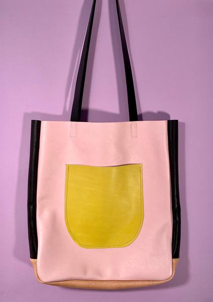 MODEST BLUSH COLOR BLOCK TOTE