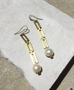 Lyon - Chain Pearl Earrings