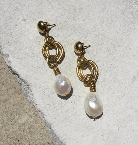 Melrose - Chain Baroque Pearl Earrings