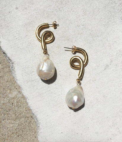 Reims - Pearl Spiral Earrings