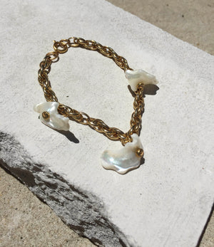 Samara - Mother of Pearl Bracelet
