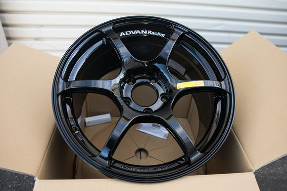 Advan RG III 17x9 +45 5x114.3 Racing Gloss Black