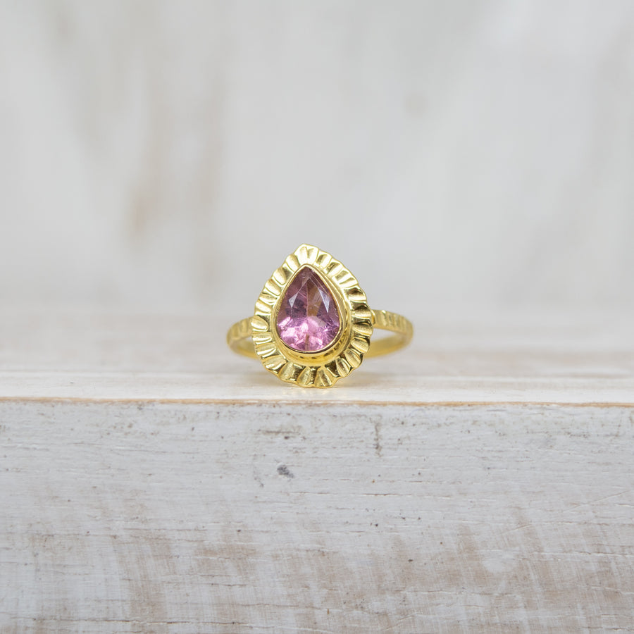 SELENA LIGHT PINK TOURMALINE RING - GOLD