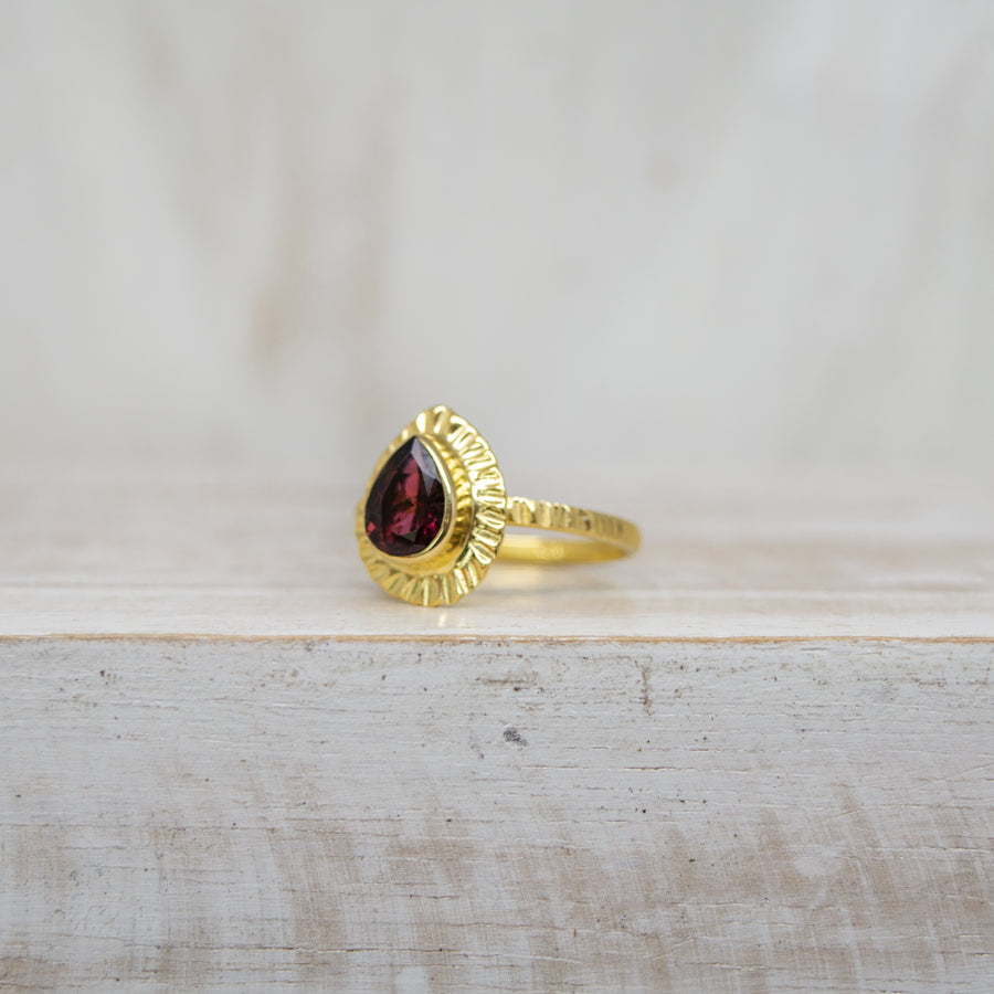 SELENA DARK PINK TOURMALINE RING - GOLD