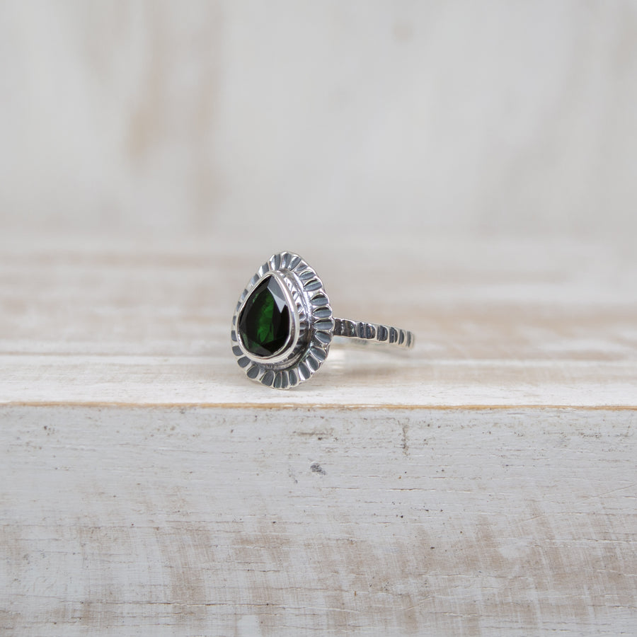 SELENA DARK GREEN TOURMALINE RING - SILVER
