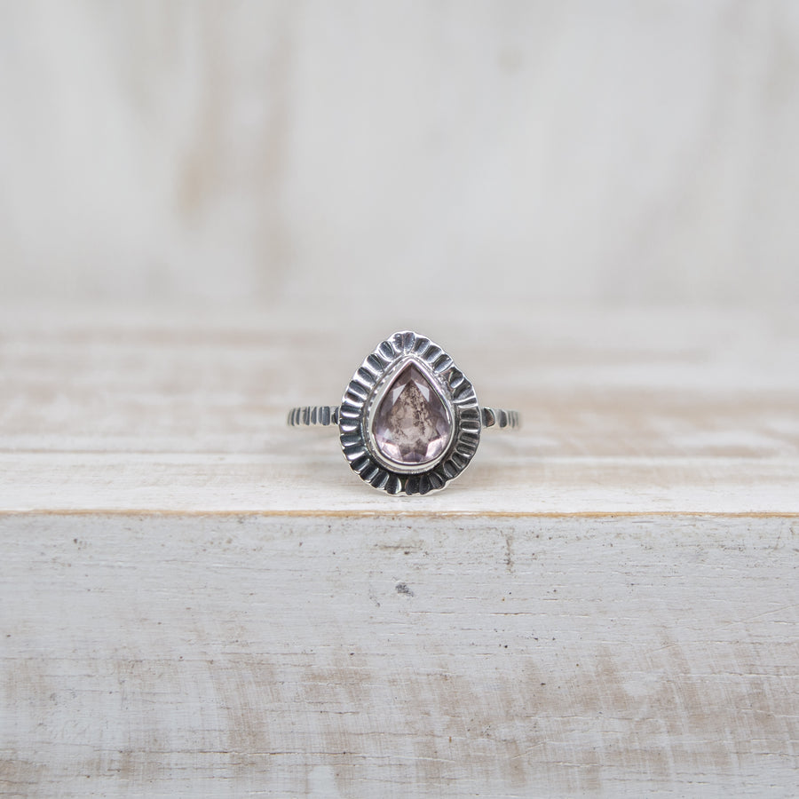 SELENA LIGHT PINK TOURMALINE RING - SILVER