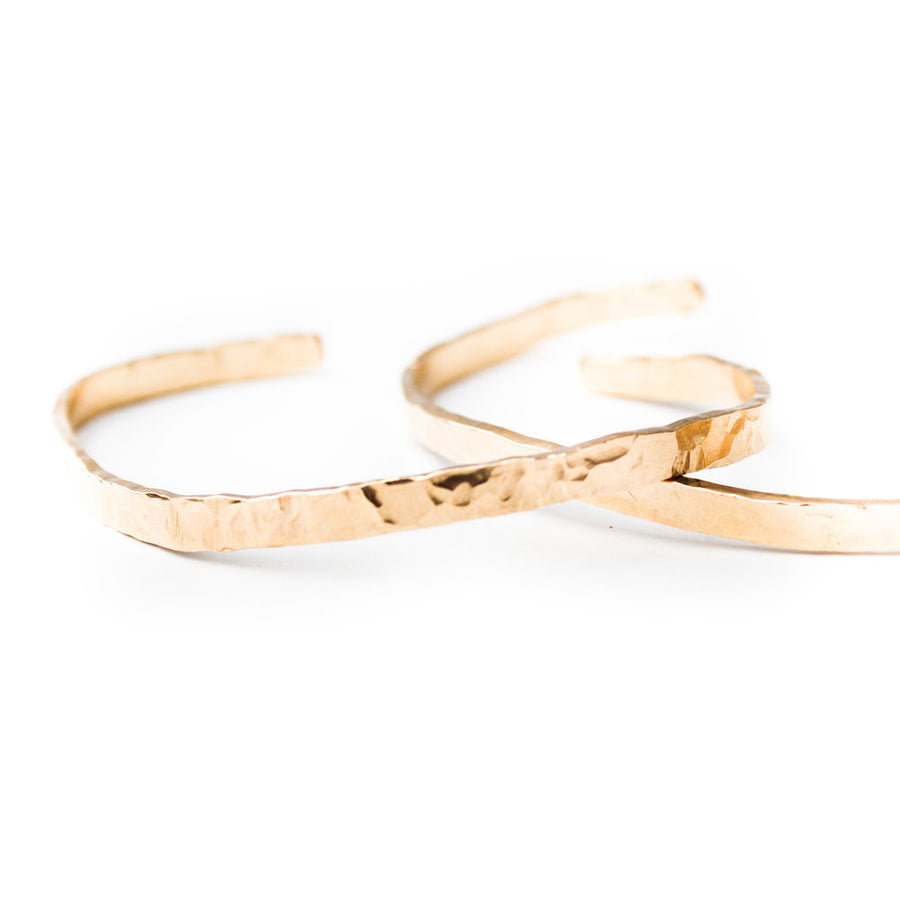 THICK SELENE GOLD HAMMERED OPEN BANGLE