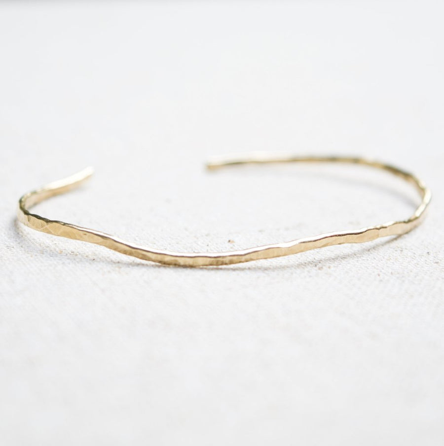 SELENE GOLD HAMMERED OPEN BANGLE