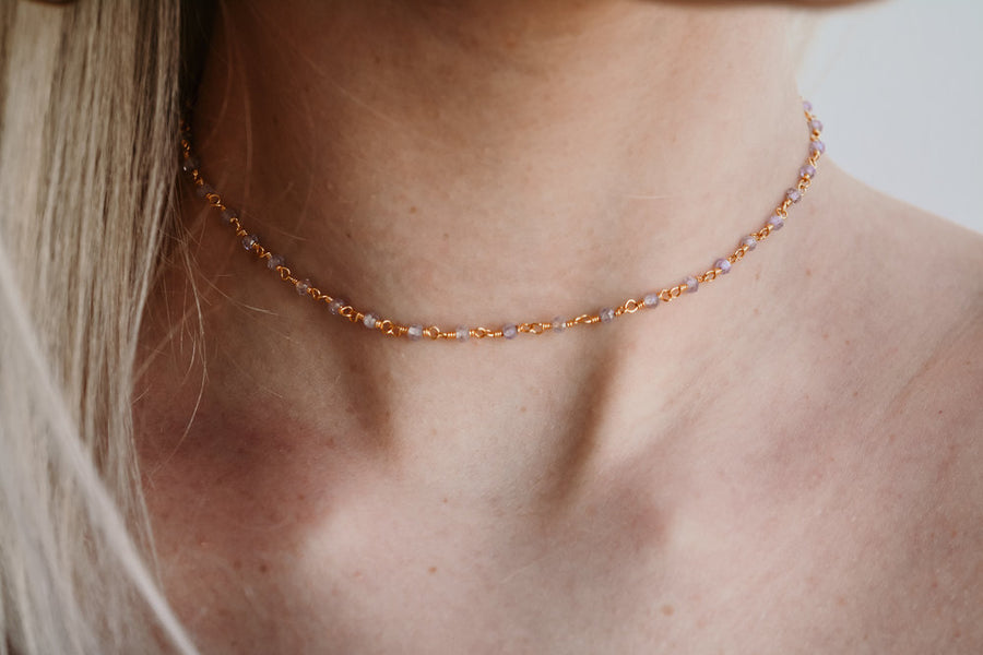 ROSE CRYSTAL CHOKER