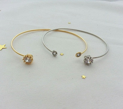 Cubic crown end bracelet