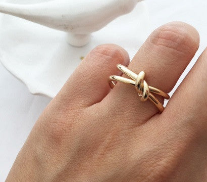 Chic Knot ring