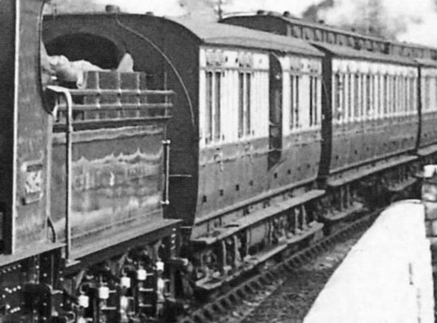 GWR K14/15 Passenger brake van<h4> £1195 inc VAT | </h4>page updated 07-05-2020