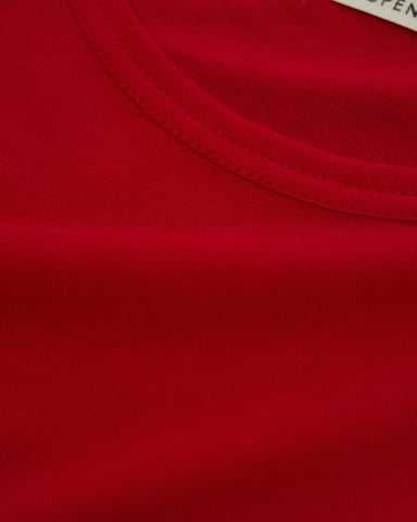 chilli red tee
