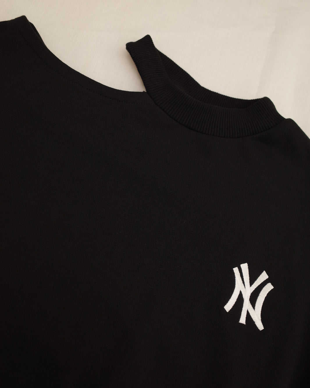 NY cut out sweat top