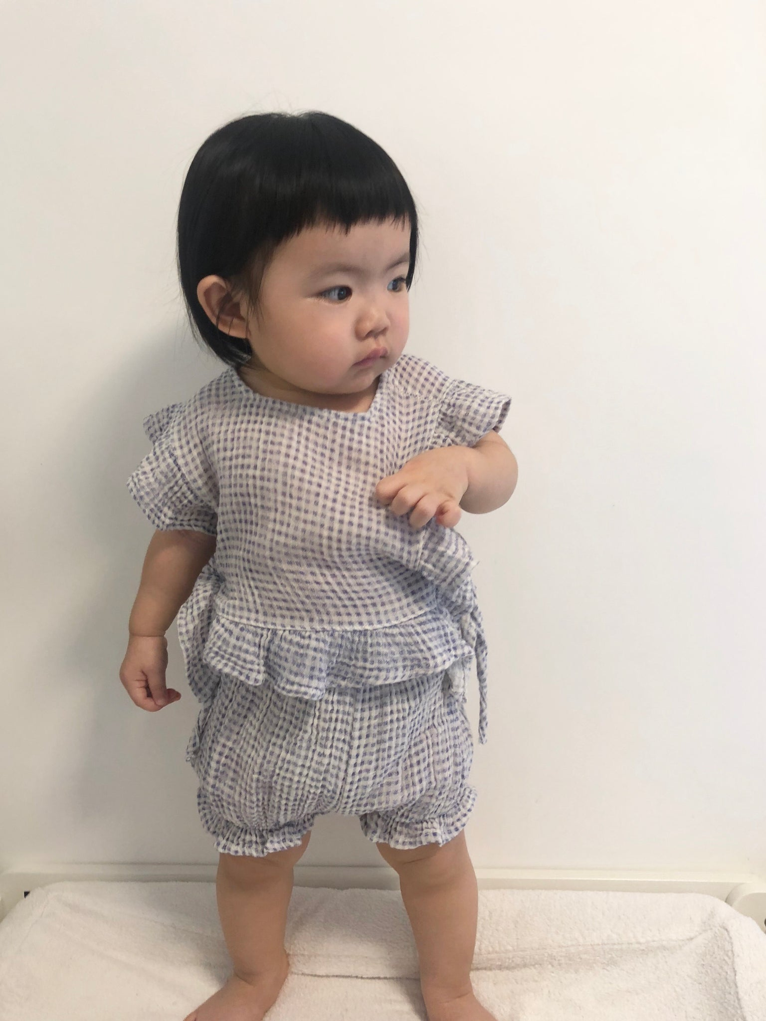 check ruffles linen set