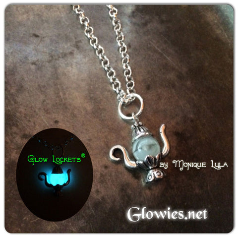Glowing Genie Lamp Glow Glass Necklace