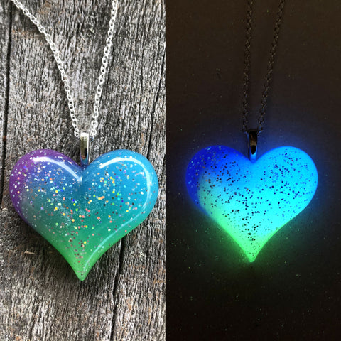 Aurora Borealis Lula Heart Glow in the dark Necklace