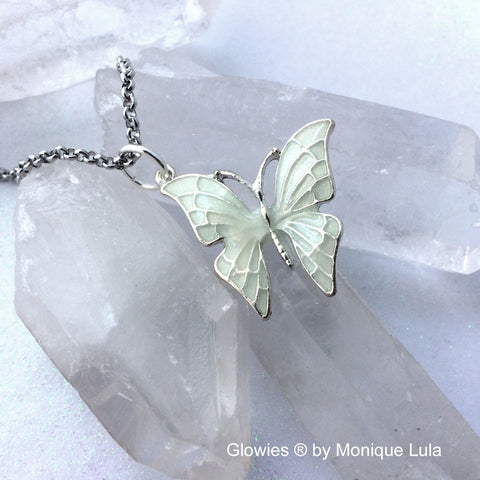 Butterfly with Glowing Wings Necklace