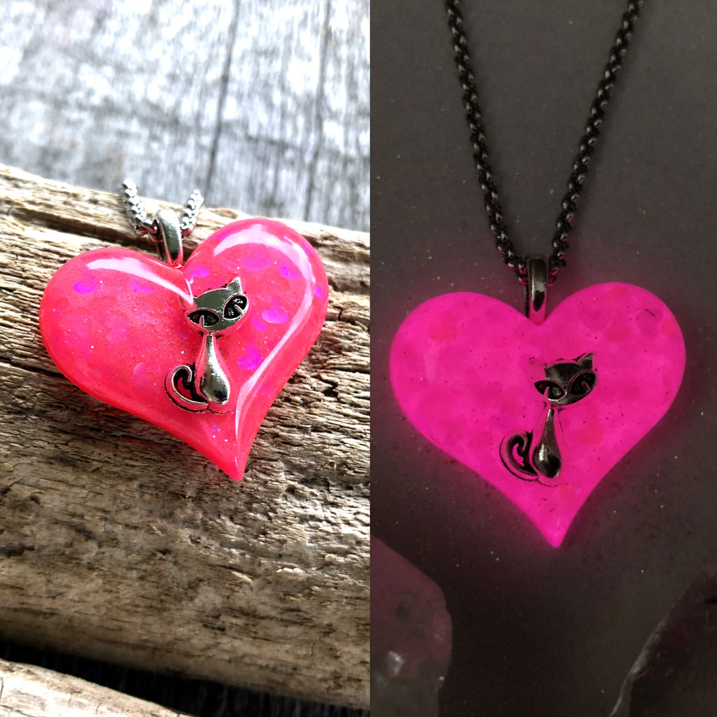 Kitty Cat Heart glow in the dark Necklace